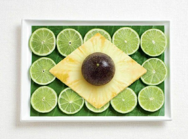 Brasil feta de fulla de plàtan, llimona, pinya i fruita de la passió.